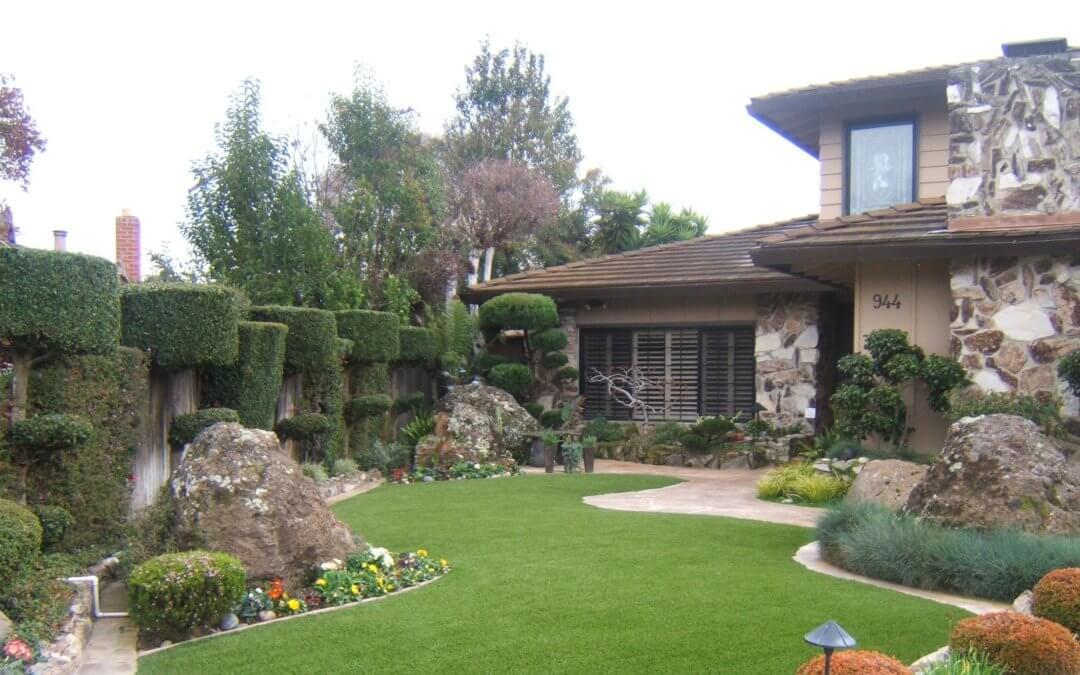 Advantages of having Artificial Turf at home.